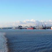 Hund und Herrlich_Fähre Rotterdam-Hull_Einfahrt in den Hafen Hull (England)